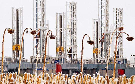 Америка вцепилась вдобычу: почемуцены падают, апроизводство нефти нет