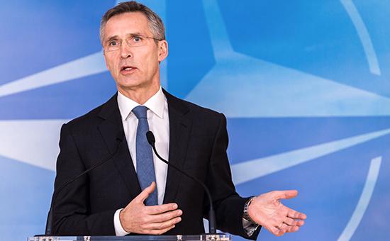 НАТО проведет осенью учения на Украине