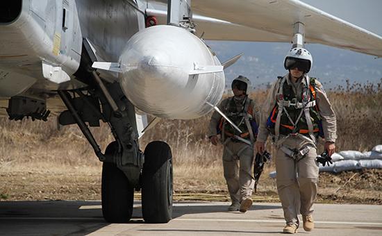 Российская авиация разбомбила в Сирии замаскированную базу с танками
