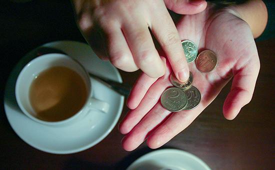 Более 60% россиян назвали нехватку денег главной проблемой длясемьи