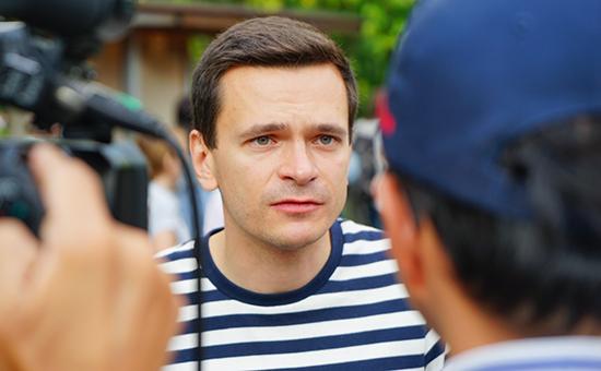 Илья Яшин выпустил доклад окоррупционерах в«Единой России»
