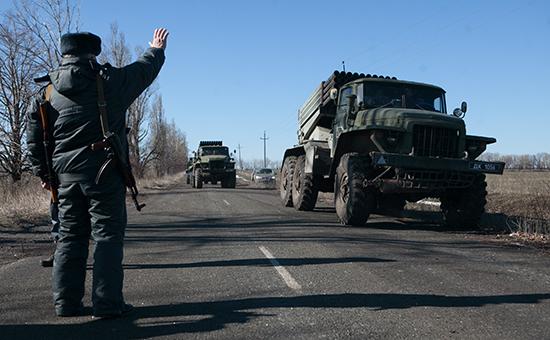 Отвели подальше: ополченцы заявили об окончании отвода вооружений