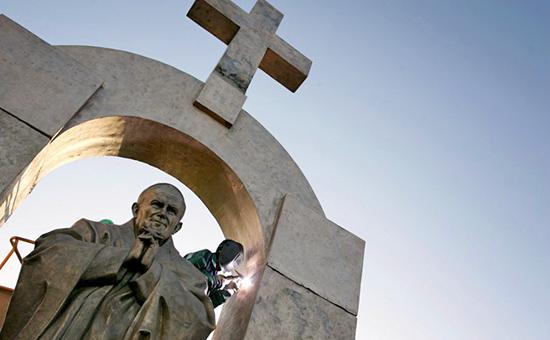 Французский суд потребовал убрать памятник работы Церетели