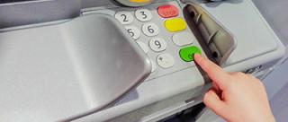 Дети без наличных: как выбрать банковскую карту для ребенка