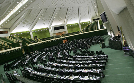 Парламент Ирана одобрил ядерную сделку