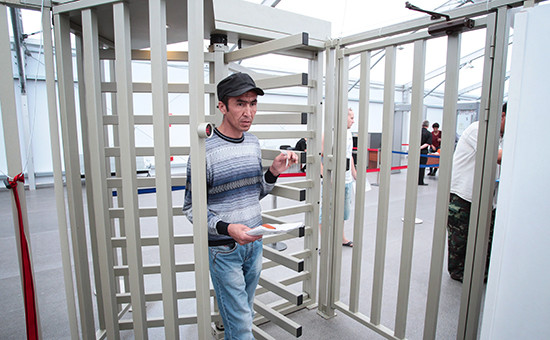 Девальвация рубля сделала Россию непривлекательной для мигрантов