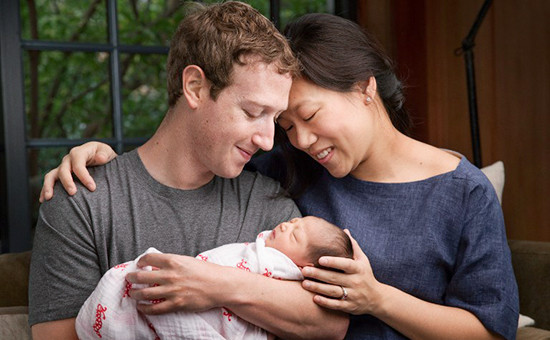 Создатель Facebook жертвует свое детище