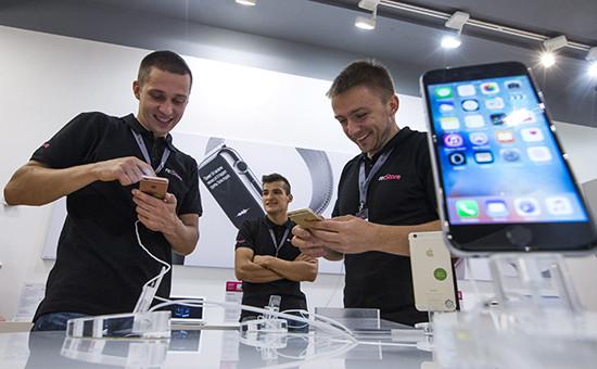 Продукция компании Apple заняла рекордную долю на рынке смартфонов в России
