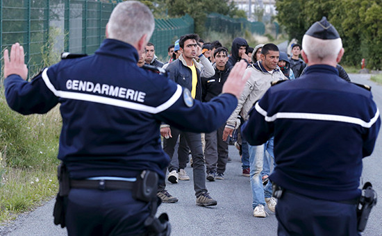 О планах Великобритании принять 15 тысяч беженцев из Сирии