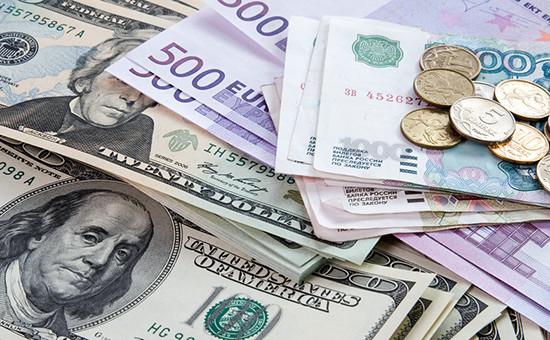 в каком банке во владивостоке можно поменять доллар