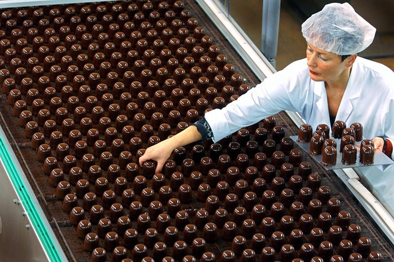 Цены на шоколад в России за год выросли больше чем на треть